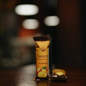 Šarlotė Milk Chocolate with Mango 38 g