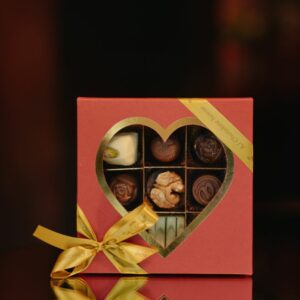 AJ Collection heart box 140 g